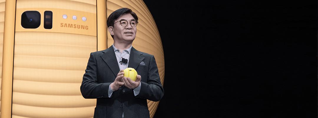 کیم هیونسوک مدیرعامل سامسونگ و رونمایی از بالی توپ هوشمند سامسونگ