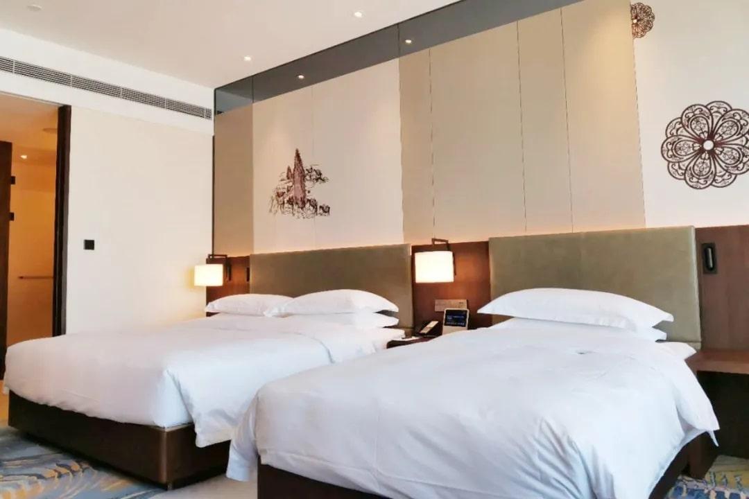 اتاقهای مهمان لوکس هتل هوشمند دلتا چین از مجموعه Marriot هوشمند شده با محصولات HDL