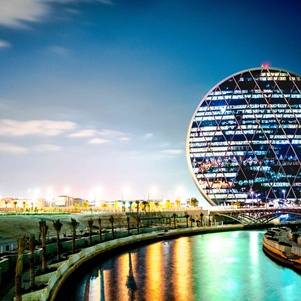 Aldar ساختمان صدفی شکل و پروژه هوشمند شده با محصولات HDL